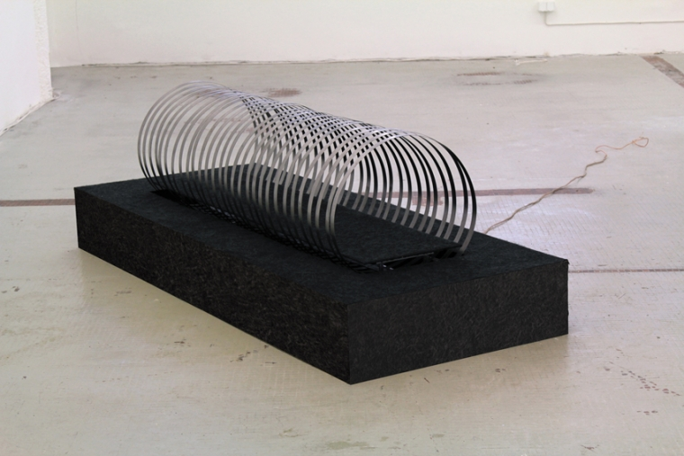 CANAPONE Material: steel, mdf, felt; Demention: 200 x 60 x 30 cm; Date: 2017